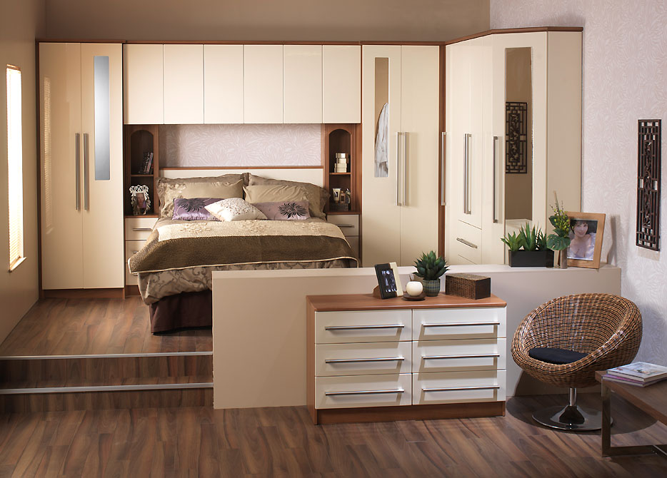 Modernist fitted wardrobe design 2015 ipc393 fitted and for Fitted bedroom furniture
