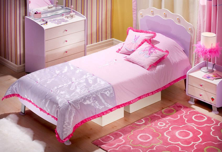 Kids Bed And Side Table