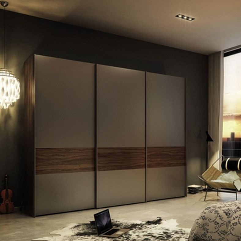Wardrobe with sliding doors hpd438 sliding door for Sliding wardrobe interior designs