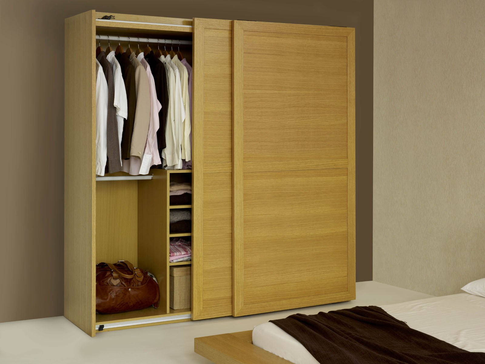 Wooden sliding wardrobe hpd434 sliding door wardrobes for Wooden sliding doors